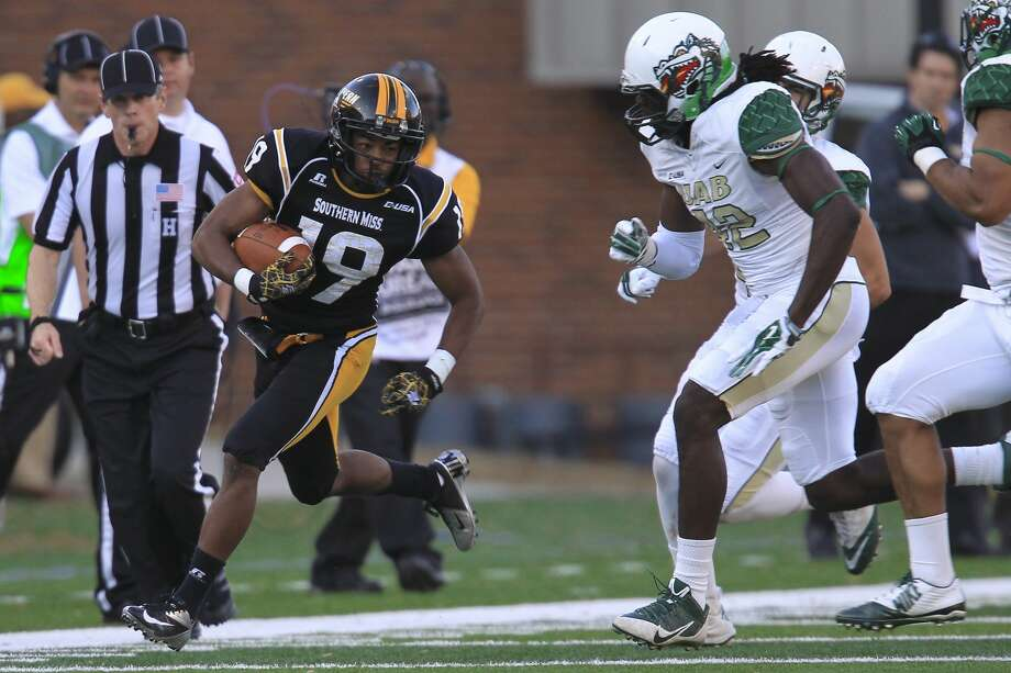 November 29, 2014: Southern Miss Golden Eagles wide receiver Curtis Mikell (19) carries down the Southern Miss sideline during the UAB at Southern Miss game on Saturday in Hattiesburg, MS. (Photo by Bobby McDuffie/Icon Sportswire/Corbis via Getty Images) Photo: Icon Sports Wire/Corbis Via Getty Images