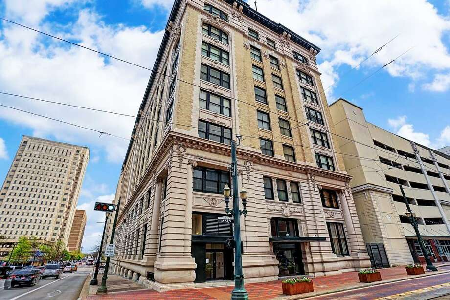 201 Main St. #4FNeighborhood: DowntownList price: $274,900Square footage: 1,388Beds/baths: 1/1 Photo: HAR.com