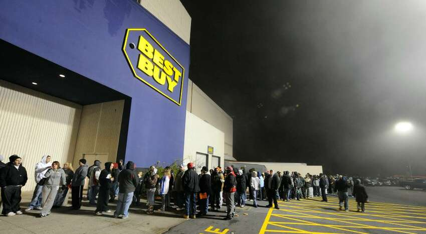 Approximately 1,000 shoppers lined up in the cool morning air at the Best Buy in in Crossgates Mall, bracing for shopping on Black Friday, the traditional first day of the Christmas shopping season. (Skip Dickstein/Times Union)