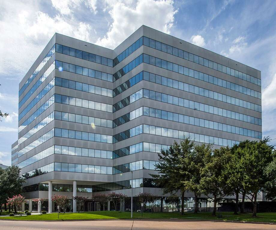Griffin Partners has purchased the Loop Central, a three-building office complex near U.S. 59 and the West Loop, in partnership with Wheelock Street Capital from TIER REIT. Photo: Transwestern / ONLINE_YES