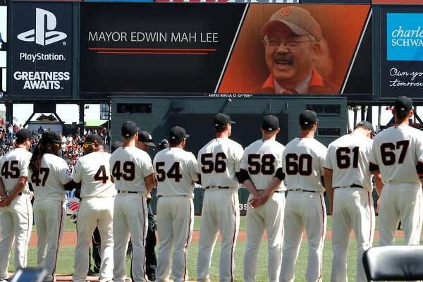 premium selection 571d2 69f81 Giants players and fans had that Opening Day glow. Then the ...