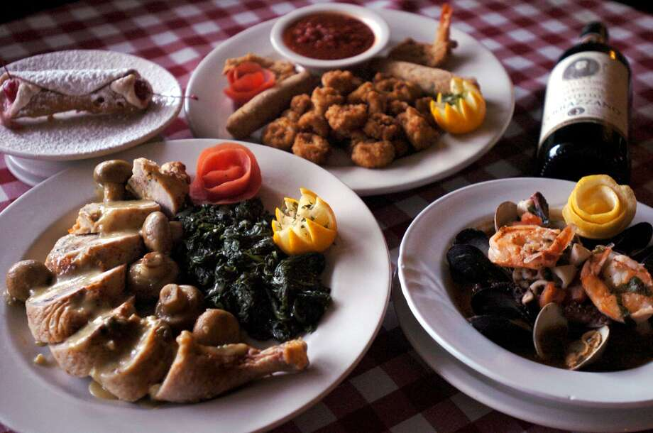 Little Italy is celebrating in style throughout April by bringing back select menu items at 1983 prices. Photo: Express-News File Photo / SAN ANTONIO EXPRESS-NEWS