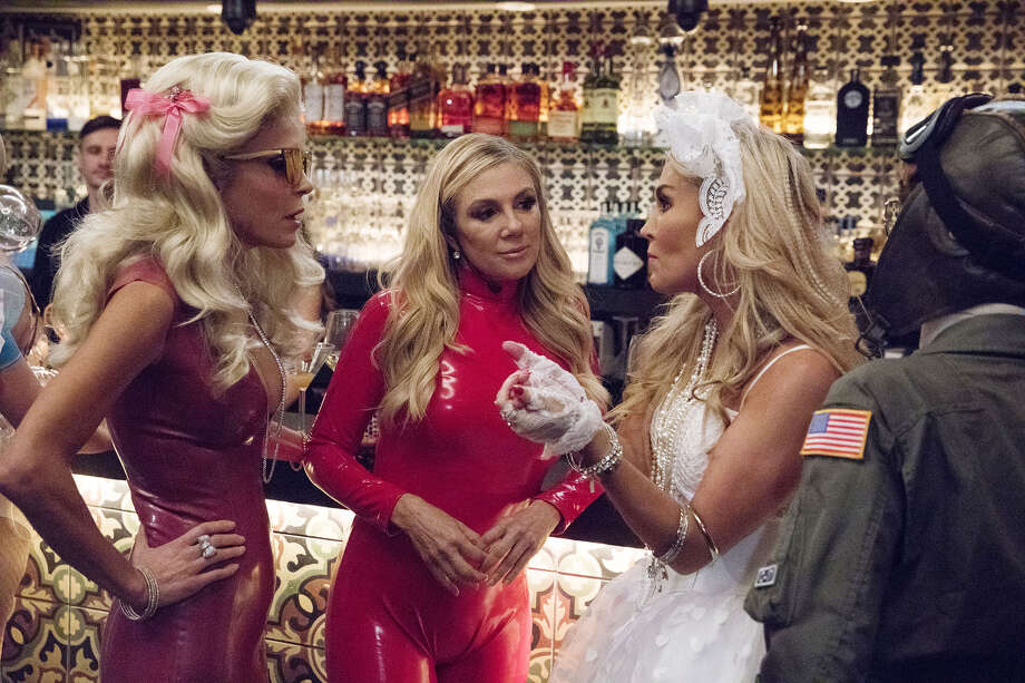 THE REAL HOUSEWIVES OF NEW YORK CITY -- Episode 1001 -- Pictured: (l-r) Bethany Frankel, Ramona Singer, Tinsley Mortimer -- (Photo by: Heidi Gutman/Bravo) Photo: Bravo / 2017 Bravo Media, LLC