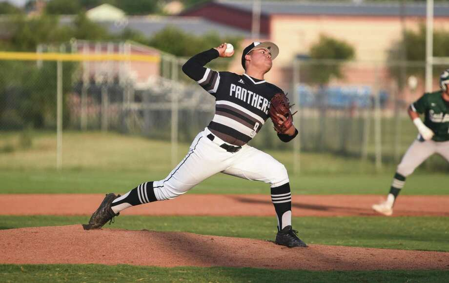 Greg Campos held Southwest to one run off four hits and two walks in 6.2 innings Tuesday leading United South to a 6-3 victory at the SAC. Photo: Danny Zaragoza /Laredo Morning Times