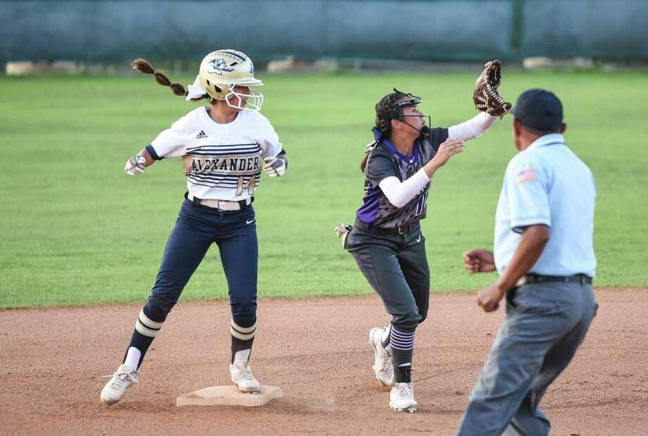Sheila Hernandez and Alexander scored four first-inning runs in a 10-5 win at the SAC Tuesday. Photo: Danny Zaragoza /Laredo Morning Times