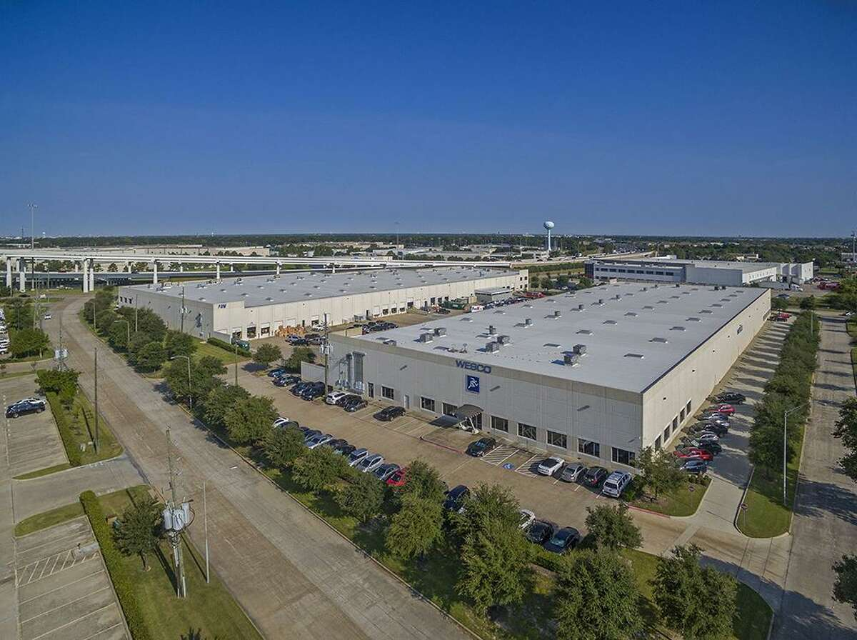 A subsidiary of STAG Industrial has purchased theBrookhollow West Business Park, consisting of two fully leased warehouse buildings totaling 232,950 square feet in northwest Houston. HFF represented the seller, AIV, Inc. The property isat 7140 and 7049 West Sam Houston Parkway North near U.S. 290.