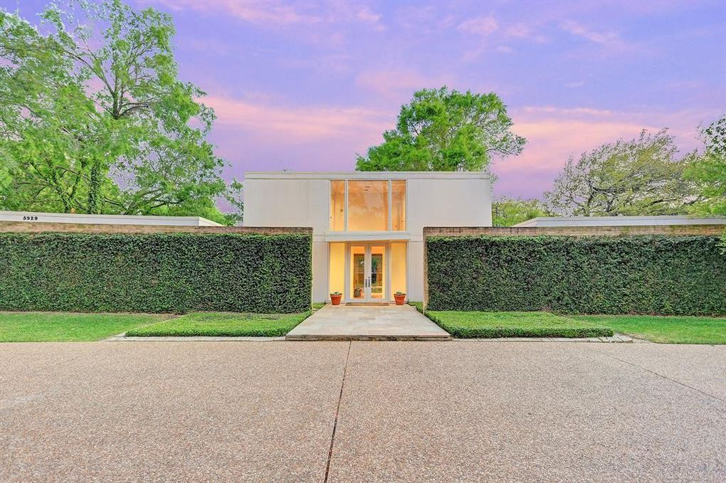 Mid century home for sale in houston reminiscent of high for Mid century modern architects houston