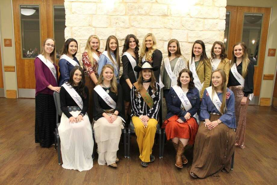 Fourteen Teens Vie For 2018 Fair Queen Title The Courier