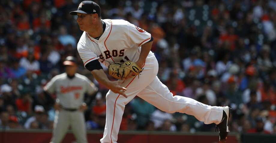 Houston Astros relief pitcher Brad Peacock (41) pitches during the seventh inning of an MLB baseball game at Minute Maid Park, Wednesday, April 4, 2018, in Houston.   ( Karen Warren / Houston Chronicle ) Photo: Karen Warren/Houston Chronicle