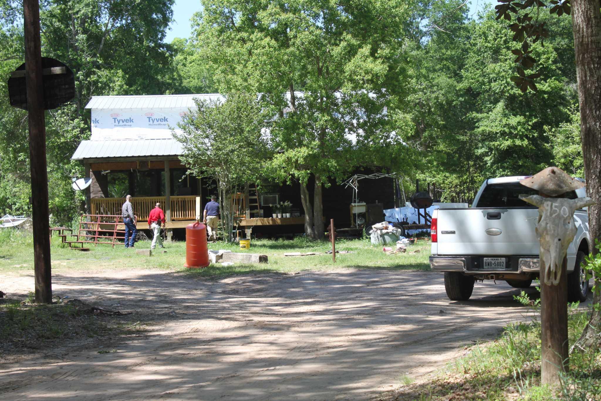 Investigators seize camper, more evidence in Shepherd child porn case - Houston Chronicle