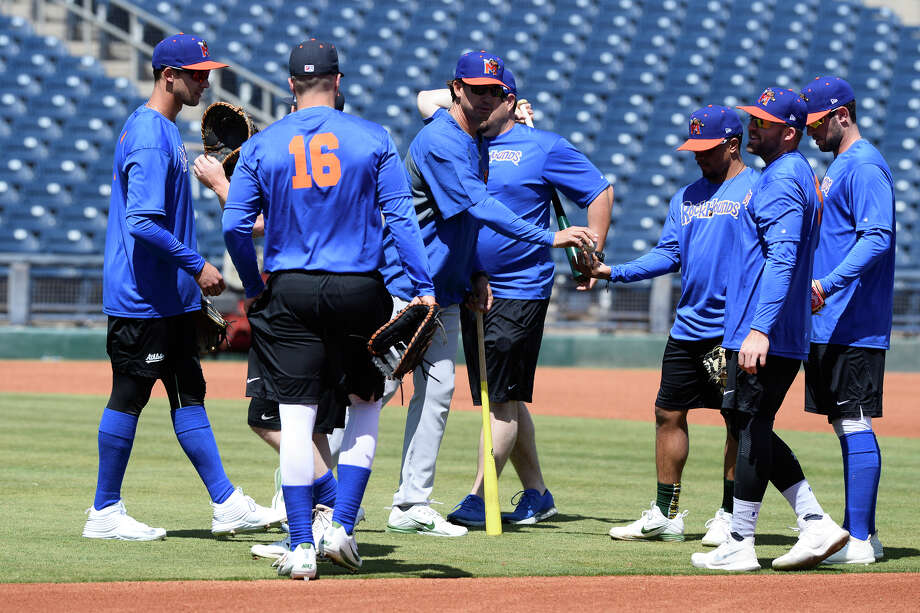 RockHounds manager Scott Steinmann talks to players during practice April 4, 2018, at Security Bank Ballpark. James Durbin/Reporter-Telegram Photo: James Durbin