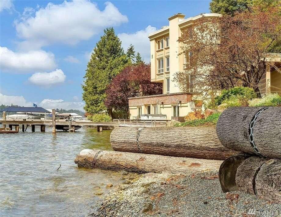 Bellevue condo with Lake Washington views that won't quit, asking $2.5M. Photo:  Janice Cai • Hometown Advisor R/E, LLC