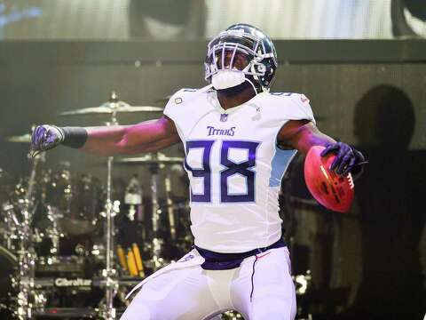 purchase cheap e963b 11cca The new Tennessee Titans uniforms are a mess - seattlepi.com