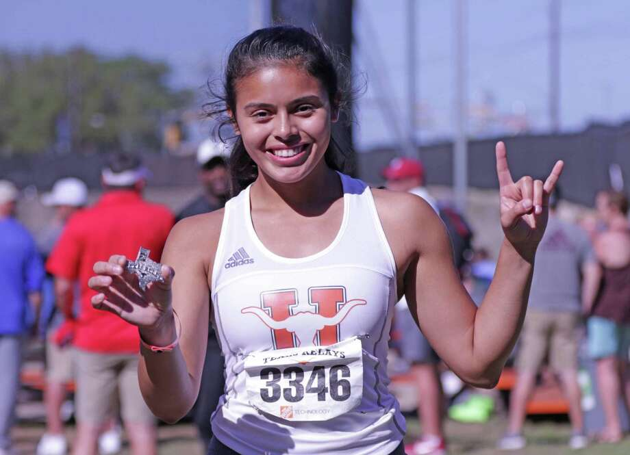 United's Sadey Rodriguez Photo: Clara Sandoval /Laredo Morning Times