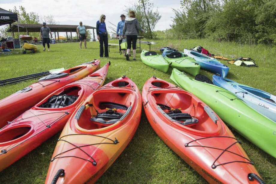 """Paddling the Nippersink 101"" covers everything you need to know about canoeing and kayaking the 23-mile ""little river"" in McHenry County. Photo: For The Edge"