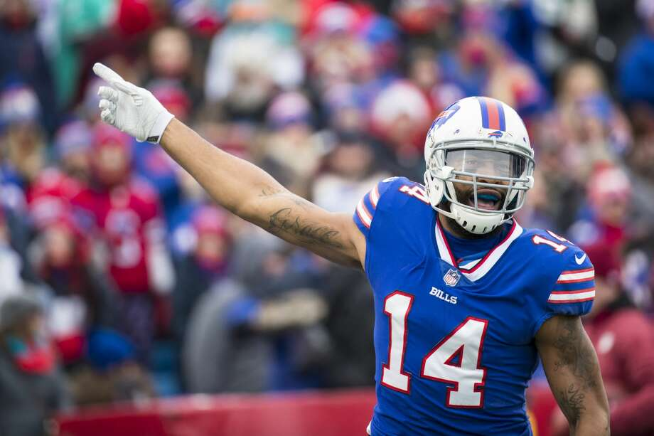 ORCHARD PARK, NY - DECEMBER 17:  Joe Webb #14 of the Buffalo Bills celebrates during the first quarter against the Miami Dolphins at New Era Field on December 17, 2017 in Orchard Park, New York. Buffalo defeats Miami 24-16.  (Photo by Brett Carlsen/Getty Images) Photo: Brett Carlsen/Getty Images