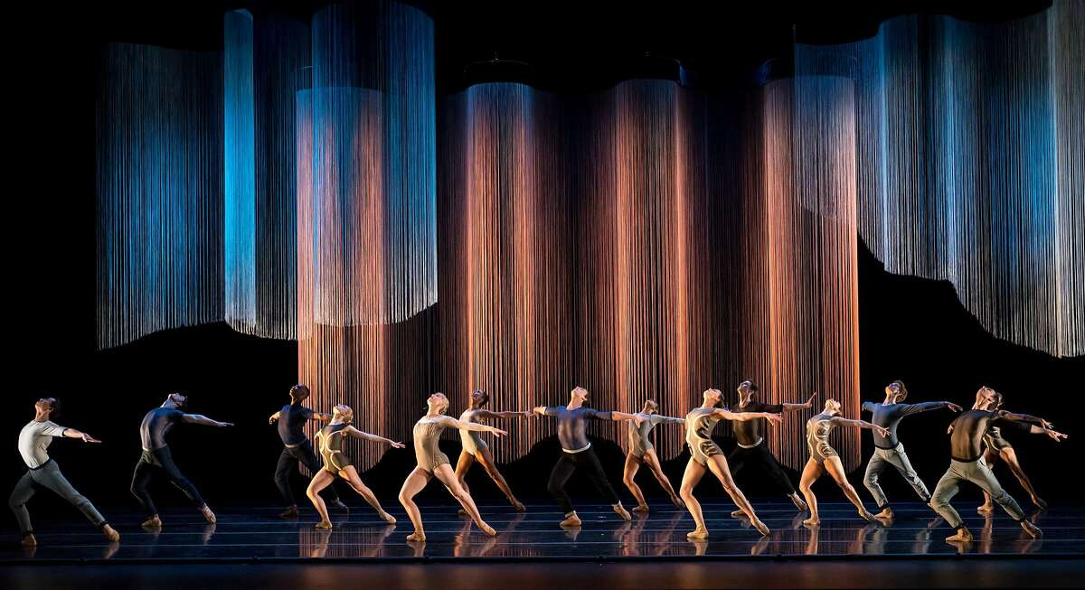 The Smuin Company performs in Helen Pickett's Oasis, part of Smuin's Dance Series 02 touring the Bay Area April 20-June 2.Photo credit: Keith Sutter