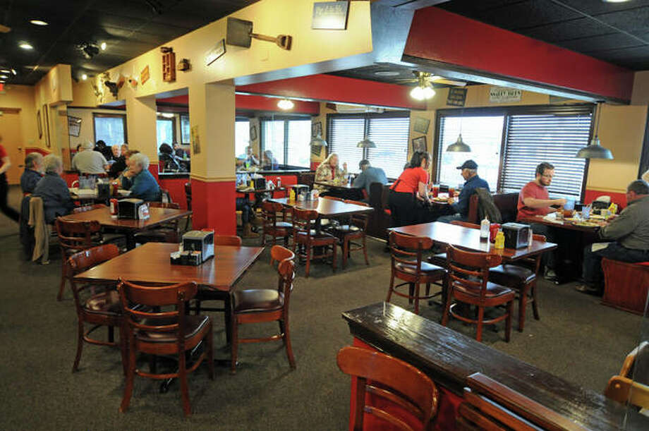 The new Frank's Restaurant's dining area, which had previously been occupied by Rib City, features 180 seats versus 125 seats at its previous Cottage Hills location. Frank's recently moved to 102 E. Center Drive, just east of Alton Square Mall. Photo: David Blanchette | For The Telegraph