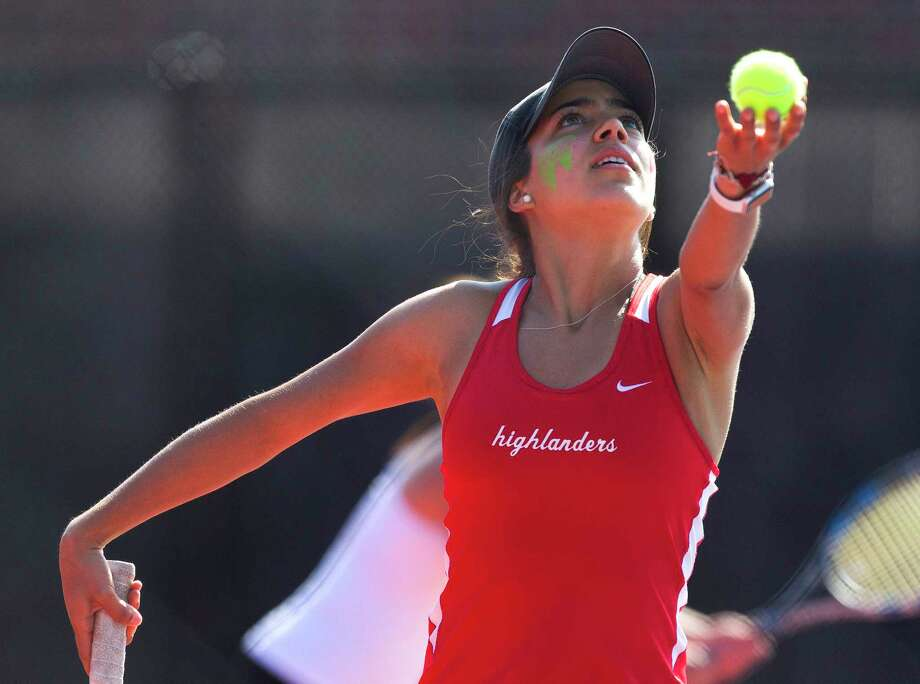 The Woodlands' Cassandra Landeros won her singles match 8-0 against Klein Cain on Friday, Oct. 5. Photo: Jason Fochtman / Houston Chronicle