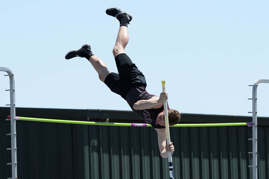Lee's Rory Maguire competes in the pole vault during the District 2-6A track meet April 5, 2018, at Memorial Stadium. James Durbin/Reporter-Telegram Photo: James Durbin