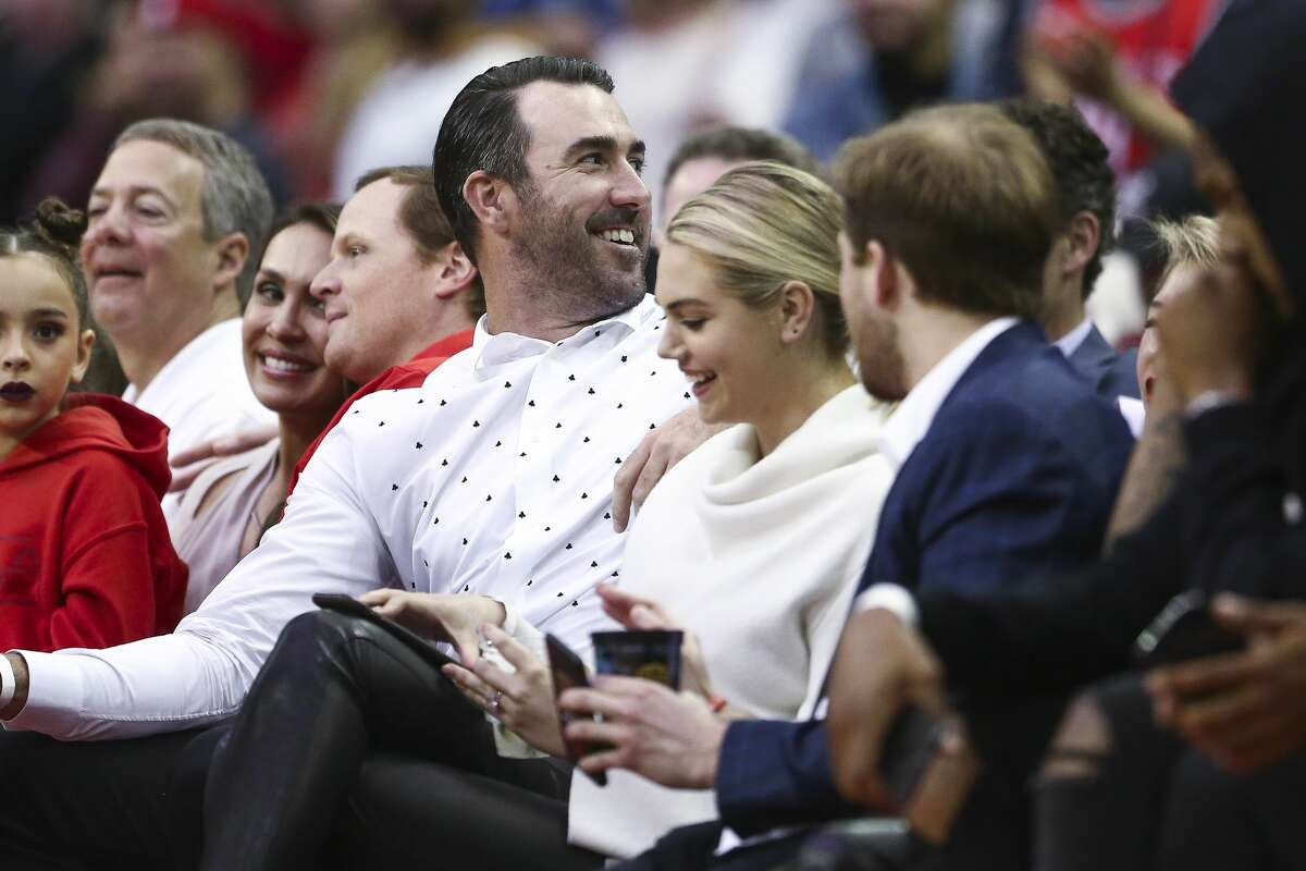 Houston Astros pitcher Justin Verlander talks to the crowd as the Houston Rockets beat the Portland Trail Blazers 96-94 at the Toyota Center Thursday, April 5, 2018 in Houston. (Michael Ciaglo / Houston Chronicle)