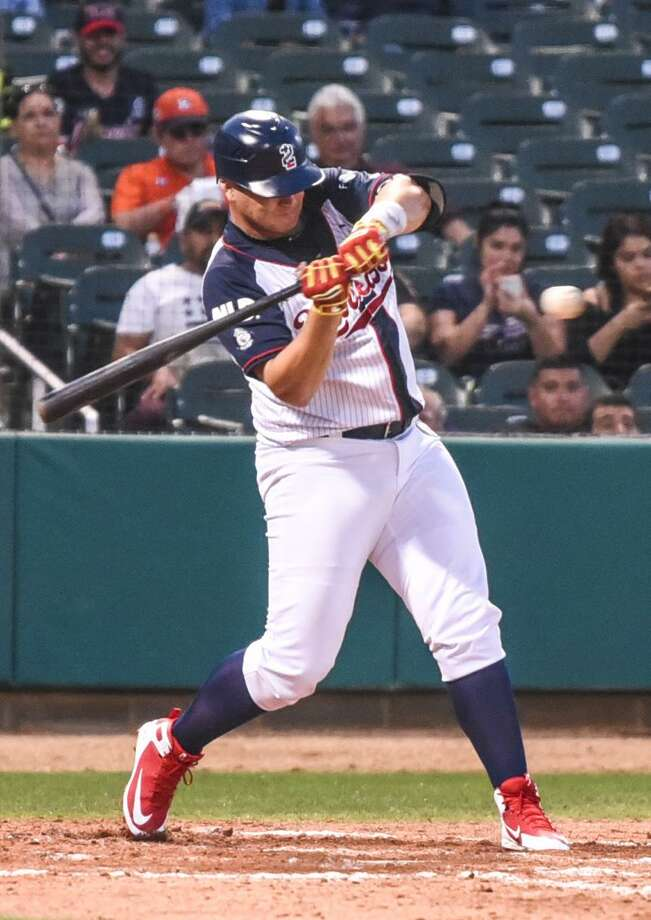 Tecolotes designated hitter Balbino Fuenmayor drove in one of the team's three runs against Monclova in a 23-3 loss Tuesday. Photo: Danny Zaragoza /Laredo Morning Times File