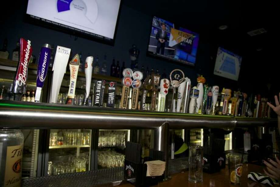 Brews Brothers, 7403 Leslie Road, brewsbrotherssa.squarespace.com, will celebrate with $3 all draft pints from 2-6 p.m., $3 selected draft pints 8 p.m.-2 a.m. Poker with cash prizes will start at 4 p.m. Photo: Xelina Flores /For The Express-News / San Antonio Express-News