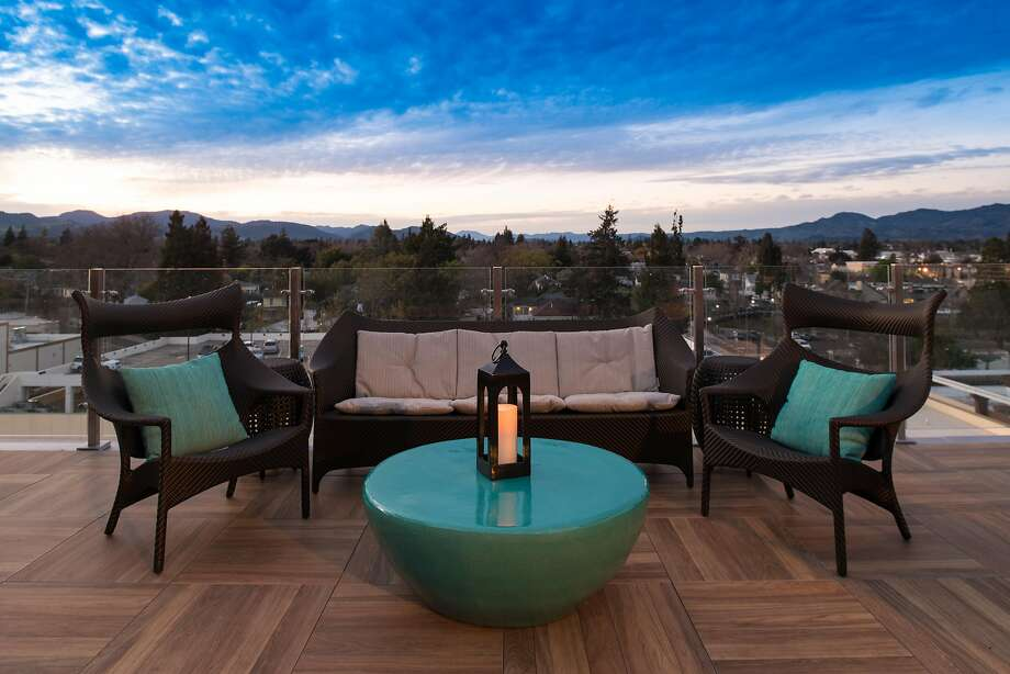 Charlie Palmer's Sky & Vine Rooftop Bar in Napa is located at the Archer Hotel in downtown Napa. Photo: Bob McLenahan Photography