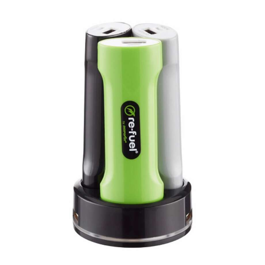 Re-fuel by Digipower Grab and Go Family Pack portable power bank charging station Photo: Digipower