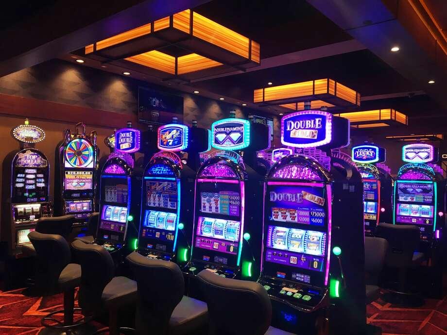 FILE — The new High Limit lounge is opened at Soaring Eagle Casino after a ribbon cutting ceremony. (Katy Kildee/kkildee@mdn.net) Photo: (Katy Kildee/kkildee@mdn.net)