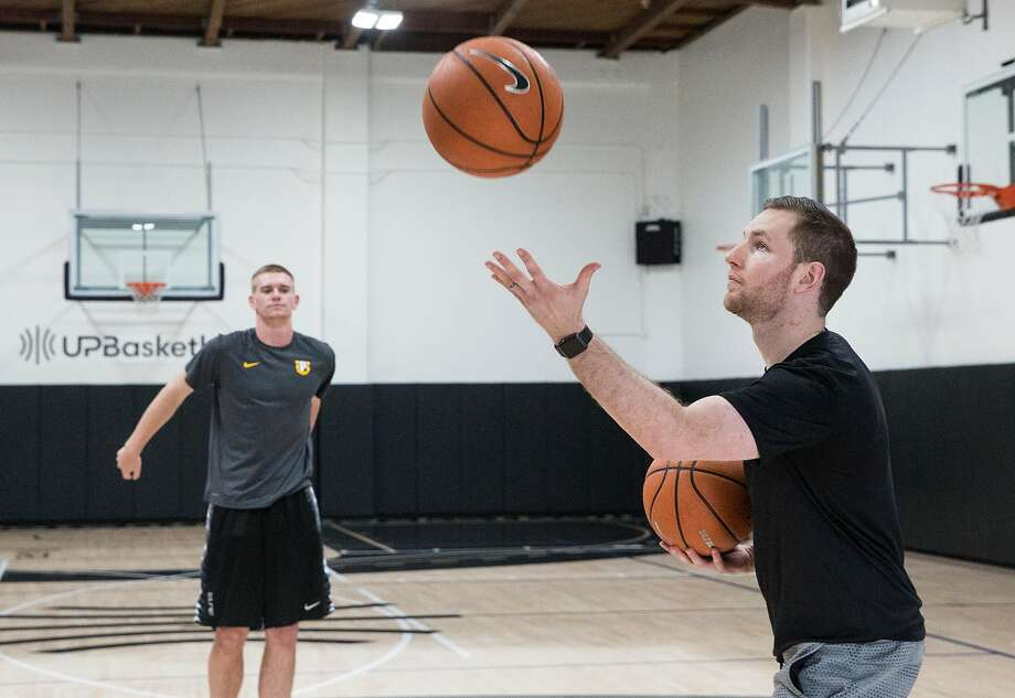 Trainer Packie Turner (right) has trained Stephen Curry as well as some of the best high school players in the Bay Area. Photo: Jessica Christian / The Chronicle
