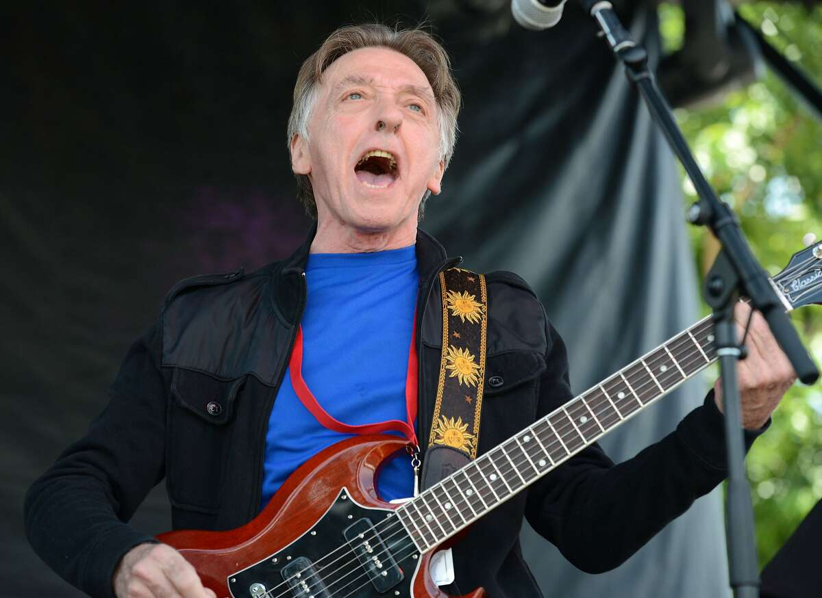 BAKERSFIELD, CA - MAY 23: Singer/guitarist Joey Molland of Badfinger performs onstage on May 23, 2015 in Bakersfield, California. (Photo by Scott Dudelson/Getty Images)