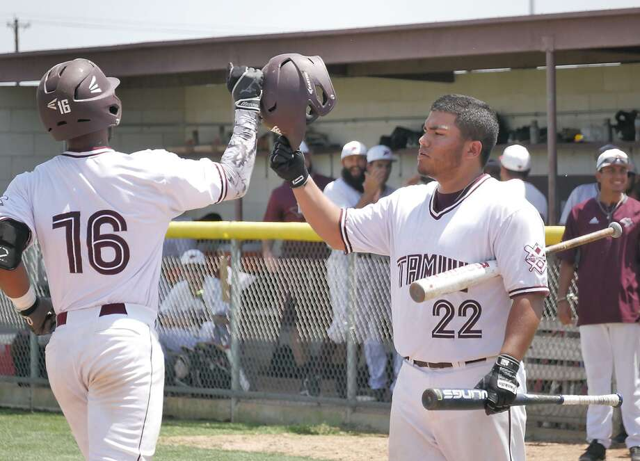 First baseman Matthew Trevino (22) hit a walk-off single lifting TAMIU to a 6-5 victory to open their series Friday with Oklahoma Christian. The Dustdevils dropped the second game of the doubleheader 10-5. Photo: Cuate Santos /Laredo Morning Times / Laredo Morning Times