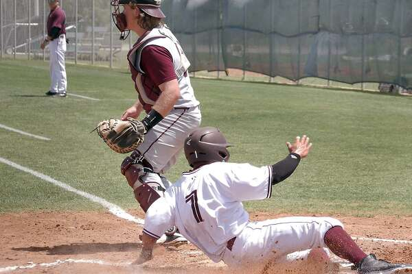 Right fielder Danny Espinosa had the game-winning squeeze bunt in the final inning Saturday helping TAMIU upset St. Edward's 4-3. The win snapped a 15-game losing streak that was one loss shy of tying the school's all-time record. The Dustdevils lost 5-2 in Game 2.