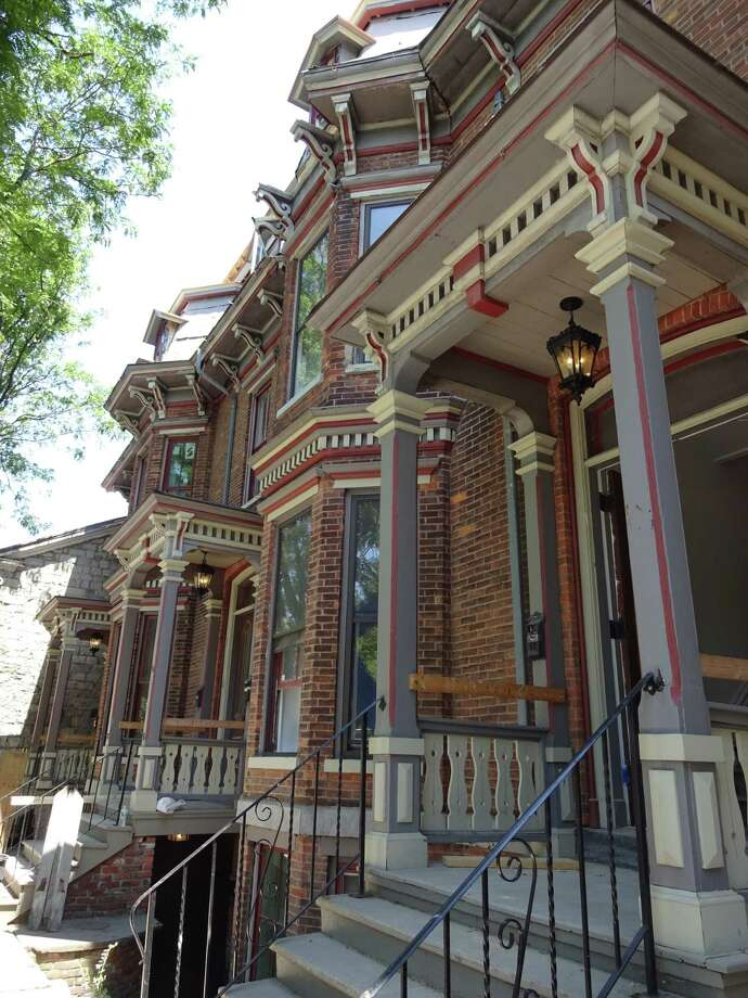 Woodlawn Avenue row houses, 2015. (Saratoga Springs Preservation Foundation)