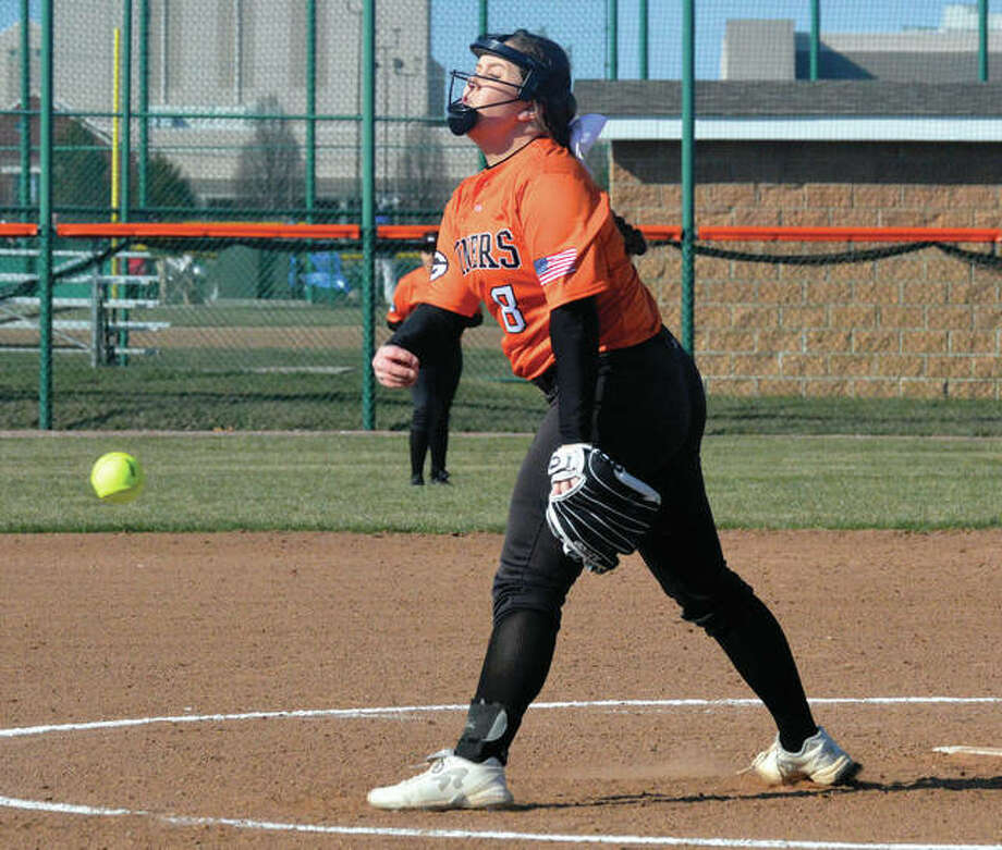 Gillespie pitcher Sydney Henrichs, shown pitching in a game March 21 at Edwardsville, struck out 14 Friday in the Miners' SCC win over the Cavaliers in Carlinville. Photo: Matthew Kamp / Hearst Newspapers