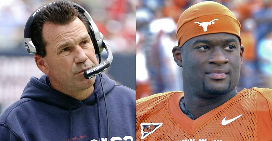 Houstonians Gary Kubiak and Vince Young headed the Texas Sports Hall of Fame's nine-member Class of 2018 that was inducted Saturday night at the Waco Convention Center. Photo: AP/Getty