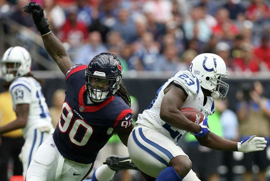The Texans' Jadeveon Clowney, left, has emerged as one of the NFL's most disruptive run-stoppers and pass rushers. Photo: Godofredo A. Vasquez, Houston Chronicle / Houston Chronicle / Godofredo A. Vasquez