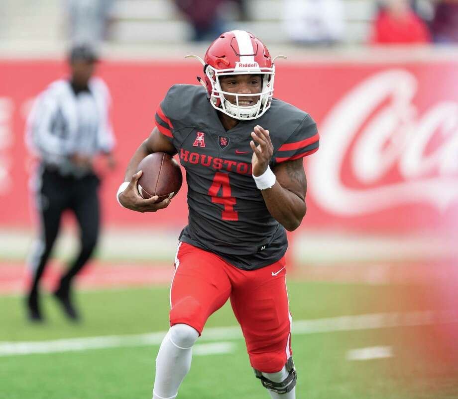 UH starting quarterback D'Eriq King, finished the spring game completing 8 of 13 passes for 259 yards and 2 touchdowns. Photo: Wilf Thorne / For The Chronicle / © 2018 Houston Chronicle
