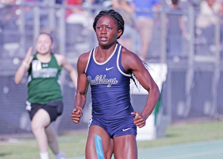 Emeremnu is the first female sprinter from Laredo to qualify for state since 2010. Photo: Clara Sandoval /Laredo Morning Times