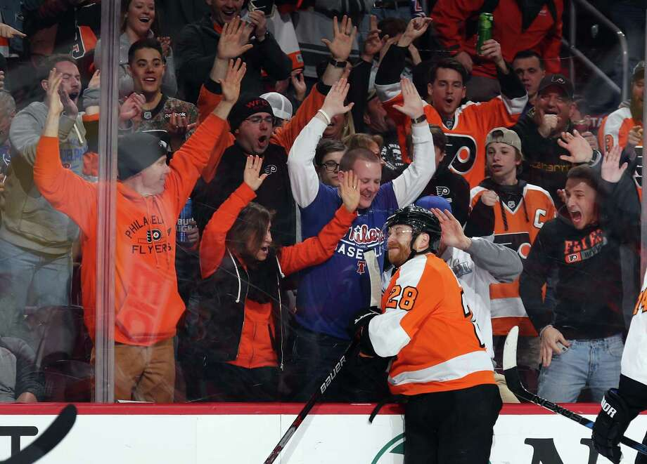 PHILADELPHIA, PA - APRIL 07: Claude Giroux #28 of the Philadelphia Flyers celebrates his goal at 17:59 of the second period against the New York Rangers at the Wells Fargo Center on April 7, 2018 in Philadelphia, Pennsylvania.  (Photo by Bruce Bennett/Getty Images) Photo: Bruce Bennett / 2018 Getty Images