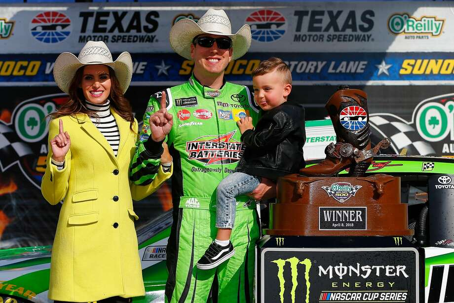 Kyle Busch sports a cowboy hat and his son Brexton. Photo: Jonathan Ferrey / Getty Images