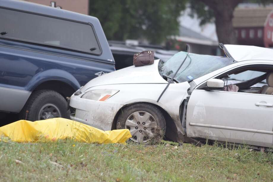 A wreck near the Bulverde United Methodist Church on US 281 left one person dead on Monday, April 9, 2018. Photo: Caleb Downs / San Antonio Express-News