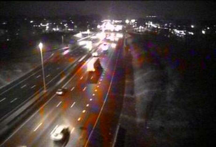 Just before 6 a.m. on Tuesday, April 11, 2018, Interstate 95 is wet from rain and some wet snow. Photo: /