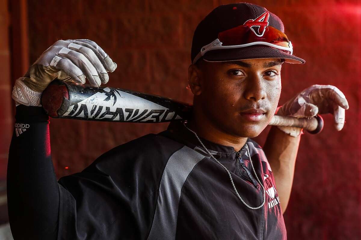 Alvin Community College second baseman Jean Correa stands for a portrait Friday, May 5, 2017 in Alvin. Correa is the brother of Astros shortstop Carlos Correa. ( Michael Ciaglo / Houston Chronicle)