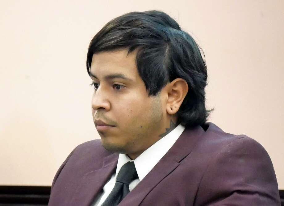 Michael Molina durante el primer día del juicio, en la Corte de Distrito 49, el martes 10 de abril de 2018. Photo: Cuate Santos /Laredo Morning Times / Laredo Morning Times