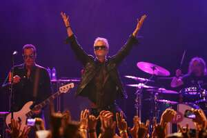TEMPE, AZ - MARCH 10:  Singer Jeff Gutt (C) of Stone Temple Pilots performs at Marquee Theatre on March 10, 2018 in Tempe, Arizona.  (Photo by Christian Petersen/Getty Images)