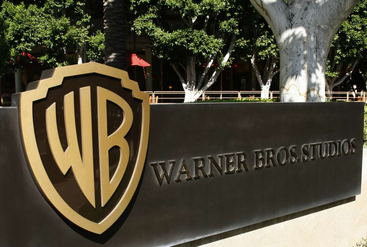The Warner Bros logo outside the Warner Bros Studio lot in Burbank, California, 30th September 2008. (Photo by Amy T. Zielinski/Getty Images)