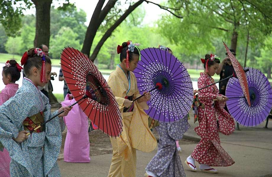 A Sakura Sakura performance during a previous year's Japan Festival Houston at Hermann Park. Photo: James Nielsen/ Houston Chronicle, Staff / © 2016  Houston Chronicle