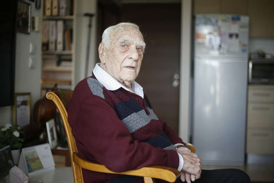 Baruch Shub, 94, is among perhaps only a handful of remaining Soviet partisans who fought the Nazis. Photo: Ariel Schalit / Associated Press